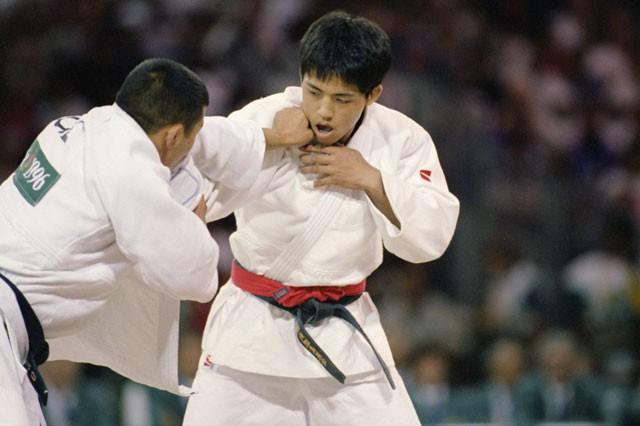 最終選考となる体重別選手権で優勝したこともあり、野村忠宏(右)はアトランタ五輪の出場権を勝ち取った