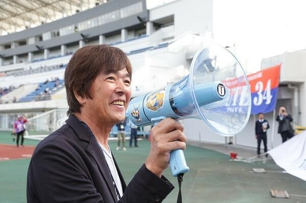 長崎の高田社長に金曜日にJリーグがあるという新しいライフスタイルについて話を聞いた