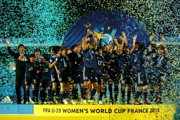 フランスで行われたU−20女子W杯で初優勝したヤングなでしこ