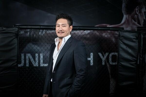 タイ人の父と日本人の母親との間に生まれたチャトリ氏。9歳の時に見たムエタイで格闘技に魅了された
