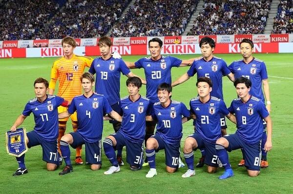 初選出の選手が6人と、フレッシュな顔ぶれになった日本代表。この日は4バックを採用