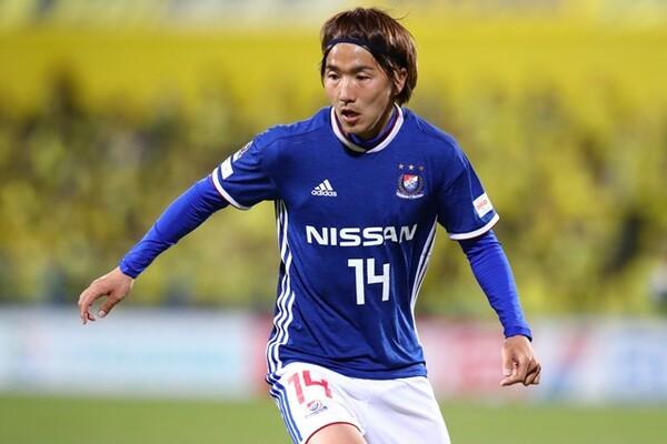 """""""超攻撃サッカー""""横浜FMの中核を担う天野純。9月には代表デビューを果たし、堂々としたプレーを披露した"""