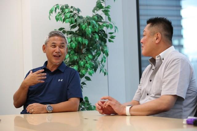 佐々木則夫さん(左)と眞鍋政義さんの対談後編は、戦術やW杯、五輪についてお互いの感覚を語り合ってもらった