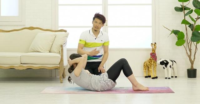 ぽっこりお腹解消!  腰への負担が少ない腹筋トレーニング
