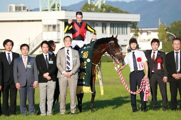 2001年マンハッタンカフェ以来となる17年ぶりの関東馬による菊花賞勝利となった