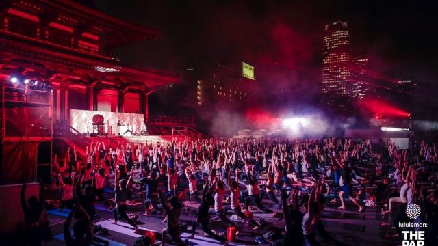 ヨガ×音楽×光が融合!lululemon20周年を祝う「THE PARTY」が東京・増上寺で開催