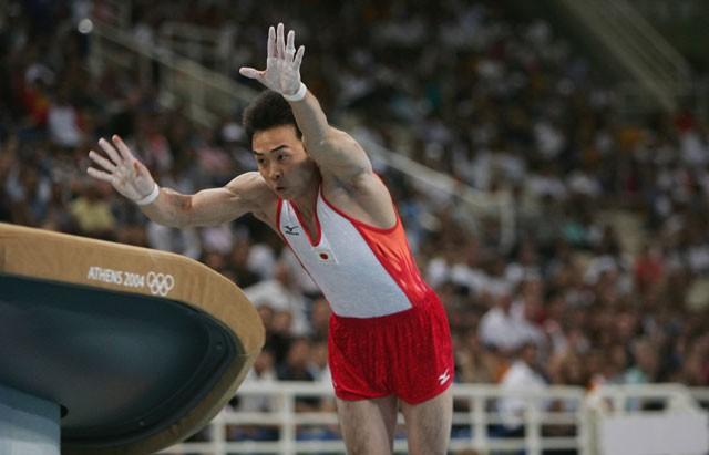 ドリッグスを入れた演技をするのは、試合では五輪が初めて。それでも鹿島丈博は集中力を高め、見事に成功させた