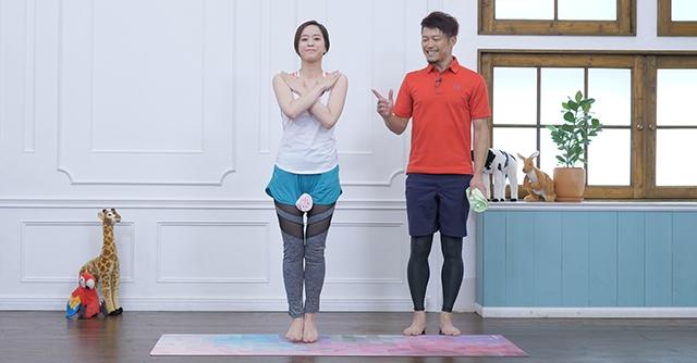 タオルを使って簡単トレーニング!内ももとお尻に効くジャンプエクササイズ