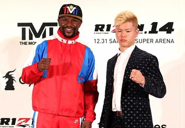 世界一稼ぐアスリートであるメイウェザー(左)と、若くして日本の格闘技界を背負う那須川天心