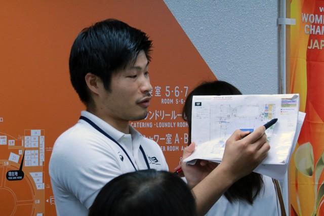 会場の図面を見せながら運営の全体像を説明した
