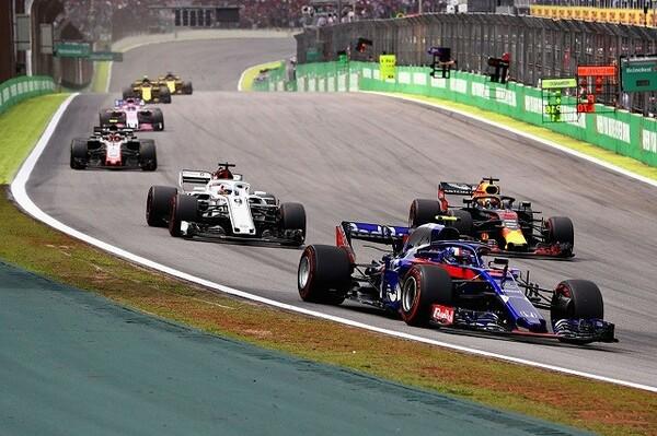 F1第20戦ブラジルGP タイヤに苦しんだピエール・ガスリーは決勝13位でフィニッシュ