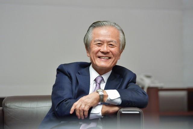 持続可能社会の中で人間に必要となってくるのは、「自由と多様性」と話す小宮山委員長