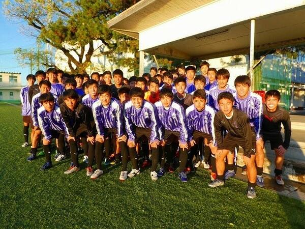 藤枝東は原点の「見る者を楽しませるサッカー」を追求しながら、新たな取り組みにも挑戦していく