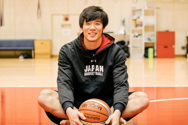 馬場雄大について、自らも選手として活躍し、指導者でもある父・敏春さんは「私のバスケ人生の集大成」と話す