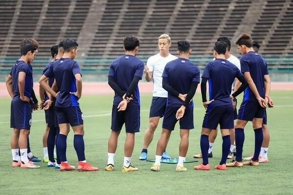 カンボジアの選手へ伝えている「本田のサッカー理論」を言語化することに試みた