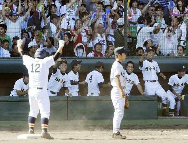 高校野球ファンにとって忘れられない試合の1つ、09年夏の「日本文理vs.中京大中京」。あの試合が生まれた背景には、大井元監督がかけた言葉にある