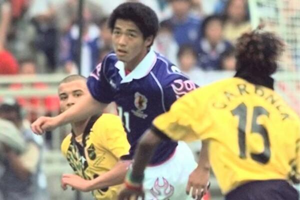小野は18歳でフランスW杯に出場。同世代のトップランナーとして走り続けた