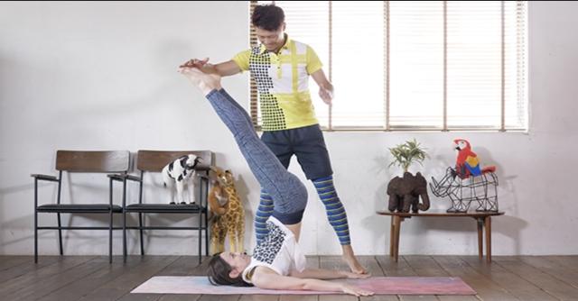下腹部痩せと体幹強化に効果的!ハードに鍛える「レッグレイズ」