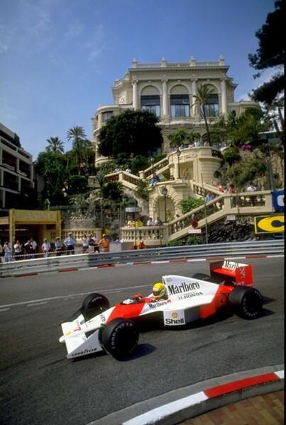 セナは、歴代ドライバー最多の6勝をモナコGPで挙げ「モナコ・マイスター」として世界的なドライバーとなった