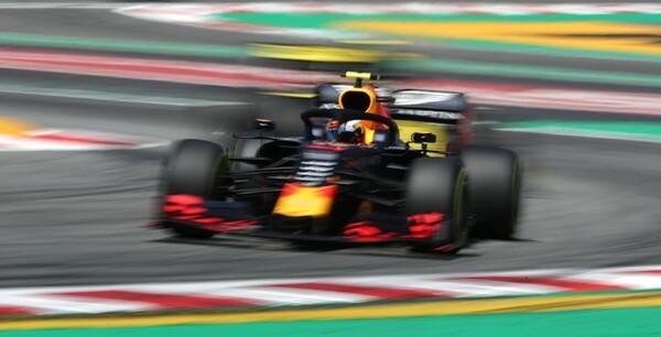 スペインGPで3位表彰台を獲得したレッドブル。開発スピードはフェラーリをも上回り、トップチームのひとつとして十分なものであることをスペインGPで証明した