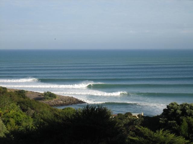 【サーフィン】世界のロングブレイクとその攻略法(2) 〜『長い波』で膝ガクガクしてみたい?〜