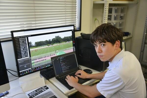 データ班で活躍するアトムさん。「環境的に筑波大学は恵まれている」と話す