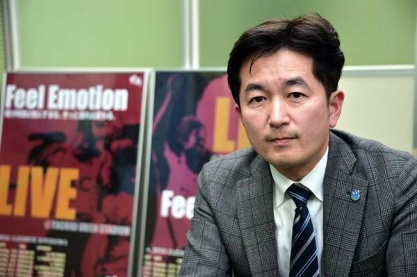 えとみほと同じタイミングで昨年に営業部長に就任した綾井隆介。前職はCM制作会社のプロデューサーだった