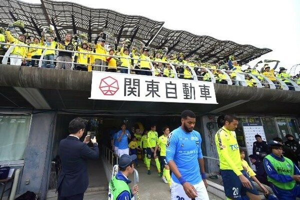 15年シーズンでJ3降格を経験した栃木SC。新社長に就任した橋本大輔の下、クラブは2年でJ2に復帰した