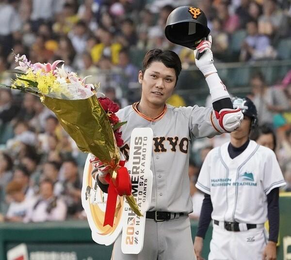 三冠王も視野に入る坂本。円熟味をました打撃に対して、ファンの支持も非常に高い