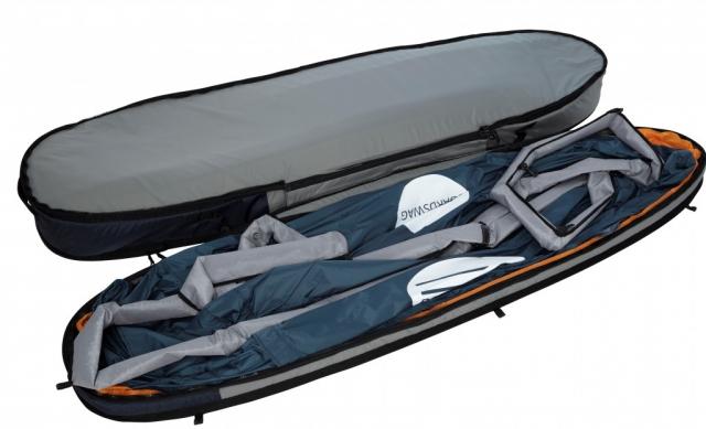 一人用のテントはボードカバー部分から取り外し可。収納時にはボード底面の保護力アップ!