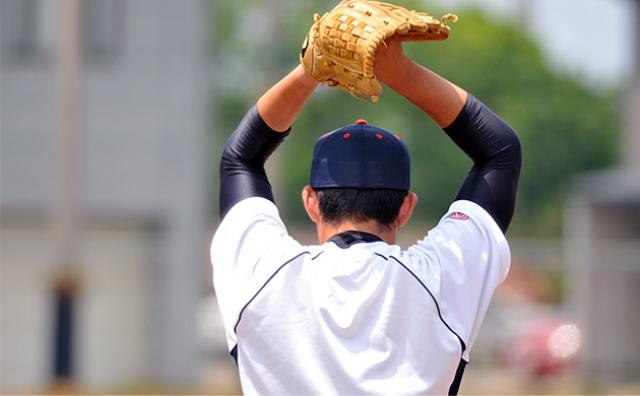 【球速アップのためのカラダの使い方】スローモーションで投球動作!