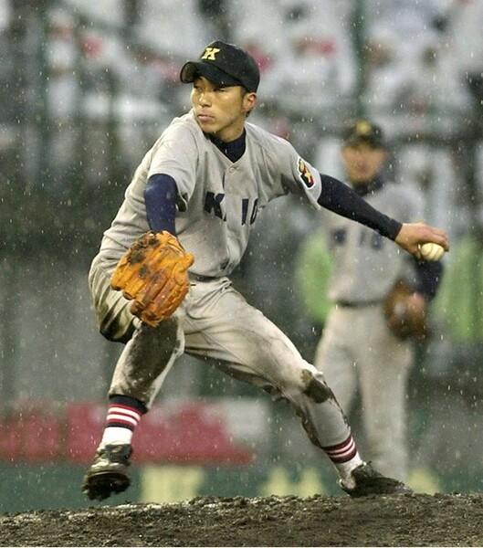 05年夏の慶應高は、エース・中林が5連投の末、桐光学園に敗戦。上田氏の頭の中に複数投手の育成はなかったという(写真は05年春の選抜大会)