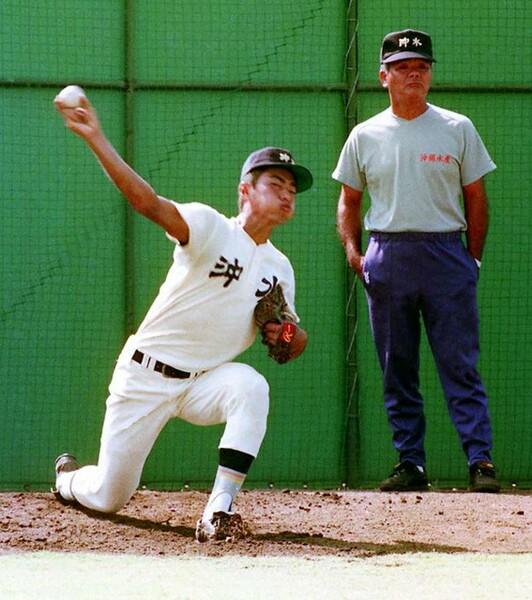 骨折しながら沖縄水産を準優勝に導いた大野氏(写真左)。当時を振り返り、高校野球の現状について話をしてくれた