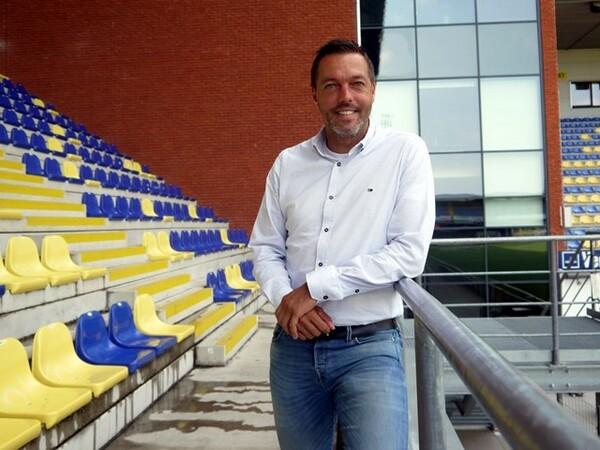 STVVに17年間選手として在籍したピーターは、現在チームマネージャーとして活躍している