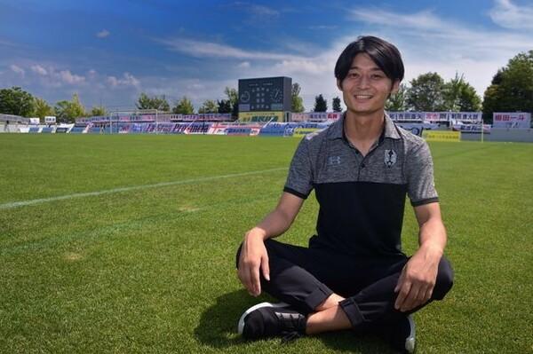 今年、33歳でいわてグルージャ盛岡の社長に就任した宮野聡。前途多難なクラブの立て直しに全力で取り組む