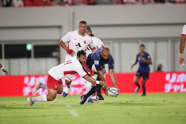 8月3日に日本代表と対戦したトンガ代表(白)。W杯で下克上が期待できるチームの一つだ