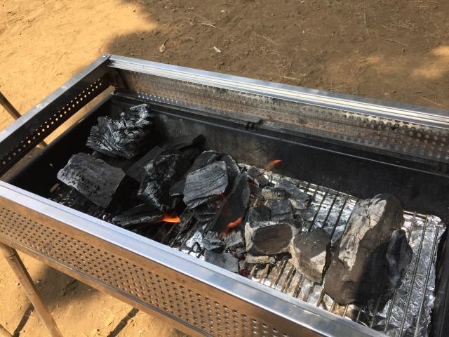 バーベキューの炭について|必要な量・燃える時間・買える場所など