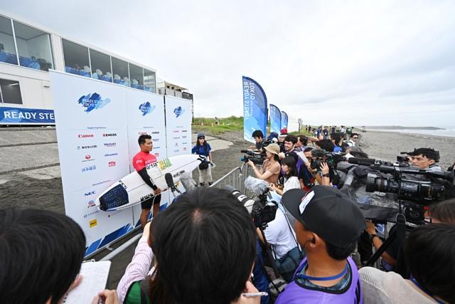 選手導線も本番と同じ。「ミックスゾーン」と呼ばれる競技後の取材エリアでは記者たちが待ち構えていた
