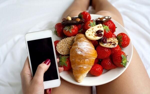 食べ 過ぎ もの 甘い