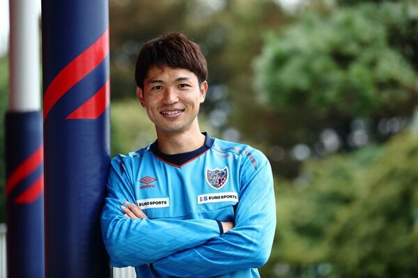 FC東京在籍10年目、気づけばチーム最古参。森重真人はリーダーとして、キャプテンの東慶悟をサポートしながら、チームをけん引している