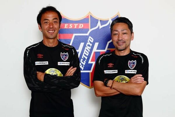 フィジカルコーチの吉道公一朗(左)とコンディショニングアドバイザーの上松大輔(右)。タフでハードな健太トーキョーを下支えする影のキーマンだ