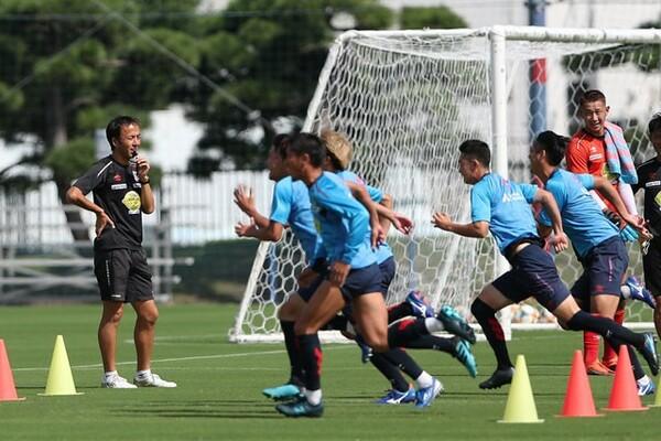 吉道コーチがメニューを組むFC東京の練習で特徴的なのが時間の短さ。暑い夏場には1時間に満たないことも