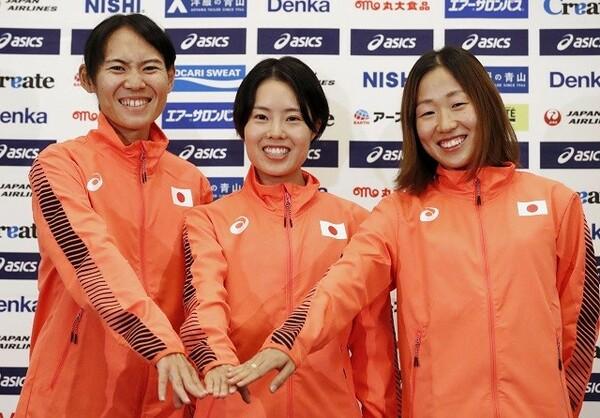 世界陸上ドーハ大会の女子マラソンに出場する(左から)池満綾乃、谷本観月、中野円花。3人とも初の代表となる