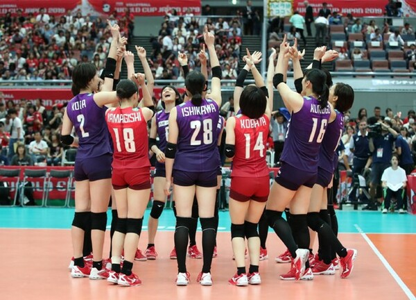 大阪でのラスト3戦はいずれも勝利を収め、バレーW杯を5位で終えた全日本女子。東京五輪まであと1年を切り、この大会から見えたものとは?