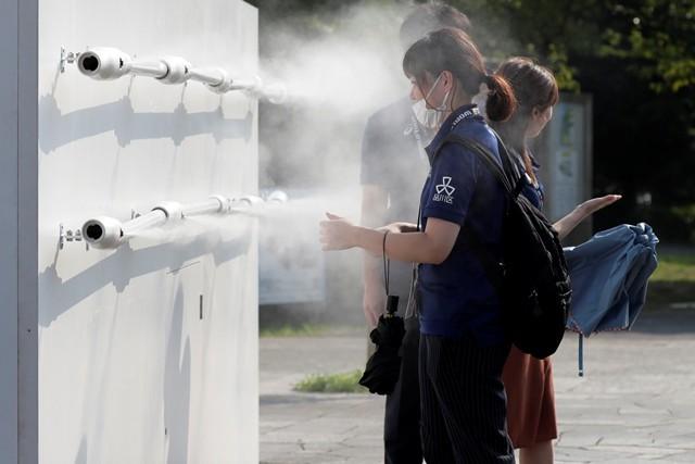 暑さ対策など、天候の影響も考えた多くの対策が必要となってくる