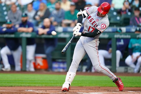 ボールを捉えるより、当たった後の打球軌道にフォーカスが置かれていた