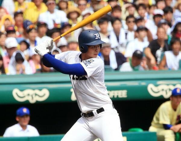 履正社高を夏の甲子園優勝に導いた井上。小関氏は決勝で奥川恭伸(星稜高)から放った本塁打を評価している