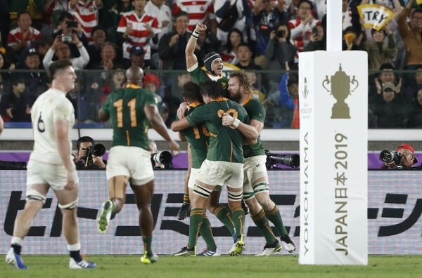 南アフリカは身長170センチのコルビのトライで優勝を決定づけた