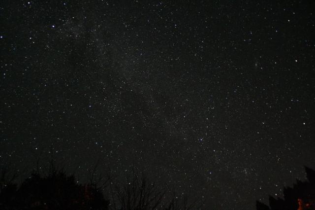 【星景写真の撮り方と機材】見上げた夜空をそのまま写真に