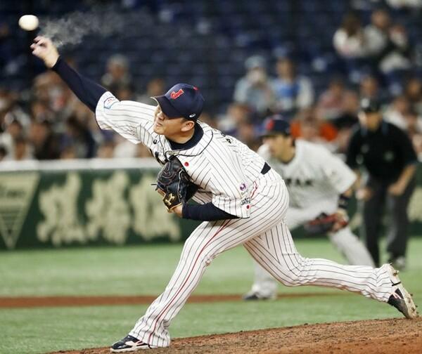 9回を締めた山崎は、前を投げる甲斐野と山本から好影響を受けている